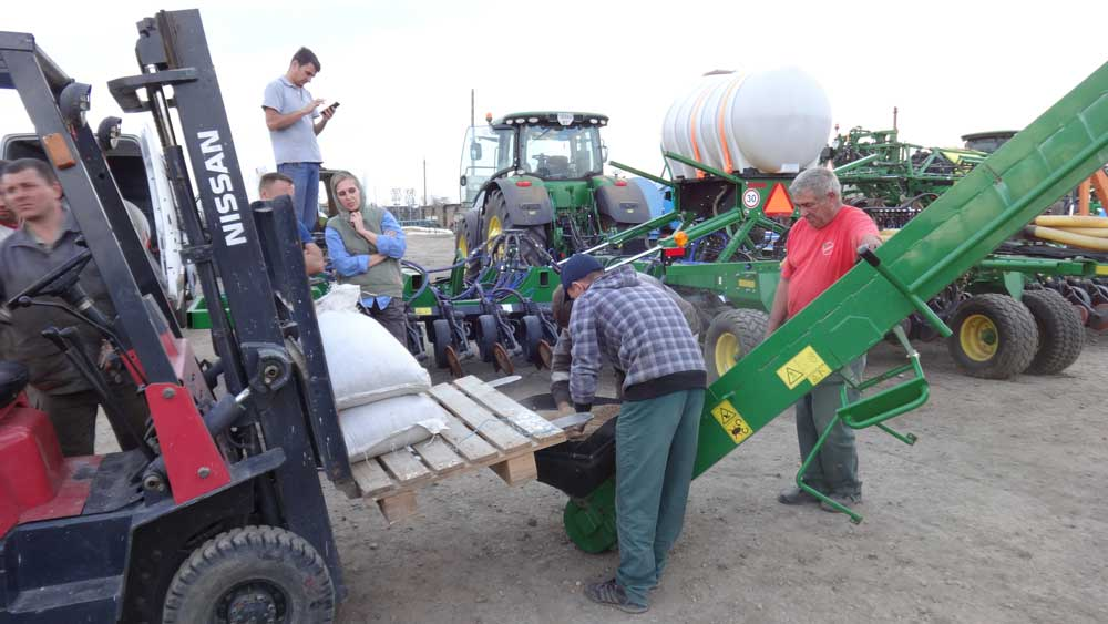 Photoreport from the site of modernization of the John Deere 1890 seeder photo №5