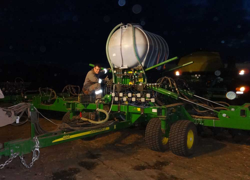Photoreport from the site of modernization of the John Deere 1890 seeder photo №7