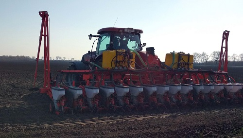 Re-equipment of the Kuhn Planter 3 seeder for the application of UAN