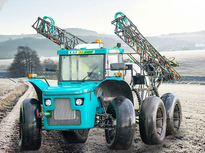 Self-propelled sprayer Vodoley
